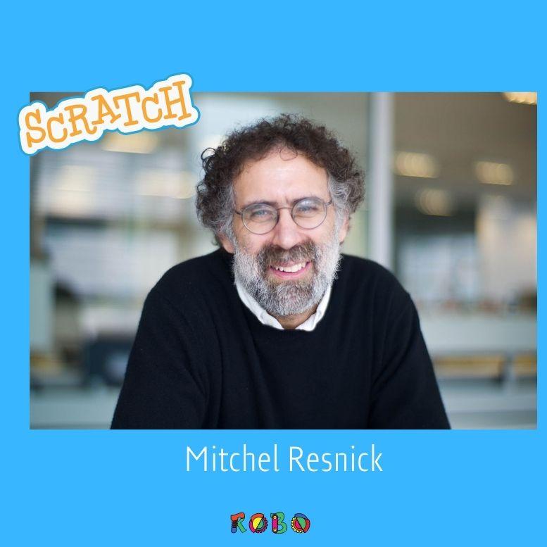 Die Erfinder von Scratch sind Mitchel Resnick und Andrés Monroy-Hernández. Sie haben Scratch erfunden, damit Menschen (vor allem Kinder) auf der ganzen Welt das Programmieren lernen können.